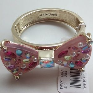 Betsey Johnson New Pink Lucite Gold Bracelet